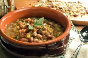 ricetta-zuppa-verdure-legumi-cereali